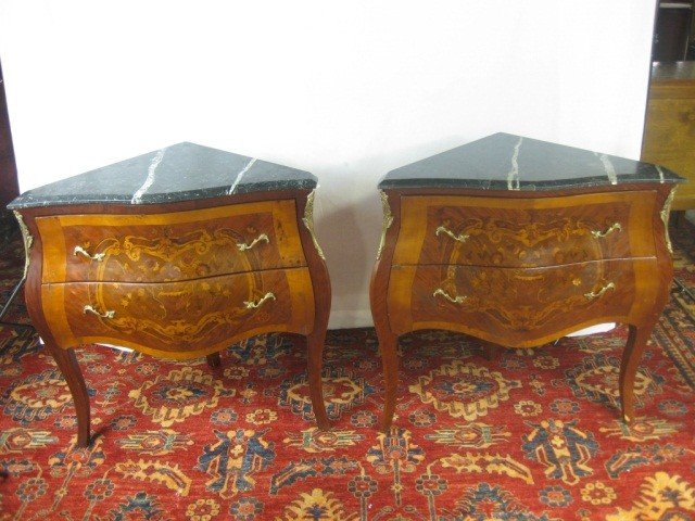 118: Pair of Louis XV 2 Drawer Corner Commodes