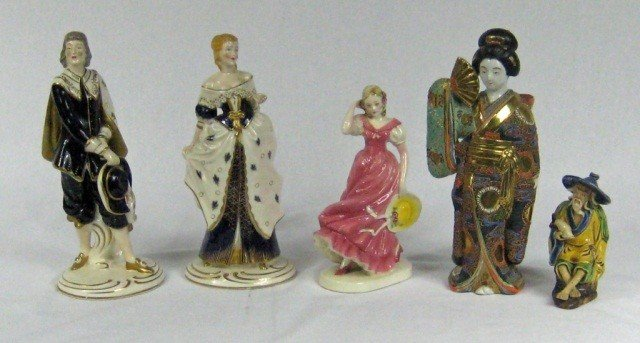 138: Group of 5 Assorted Porcelain & Pottery Figurines