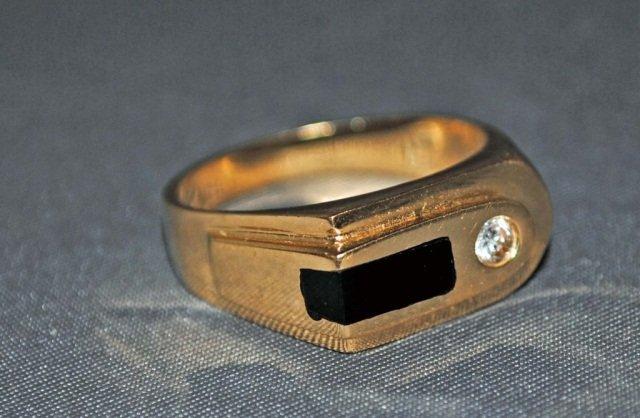4: Men's 14K Gold Onyx and Diamond Ring