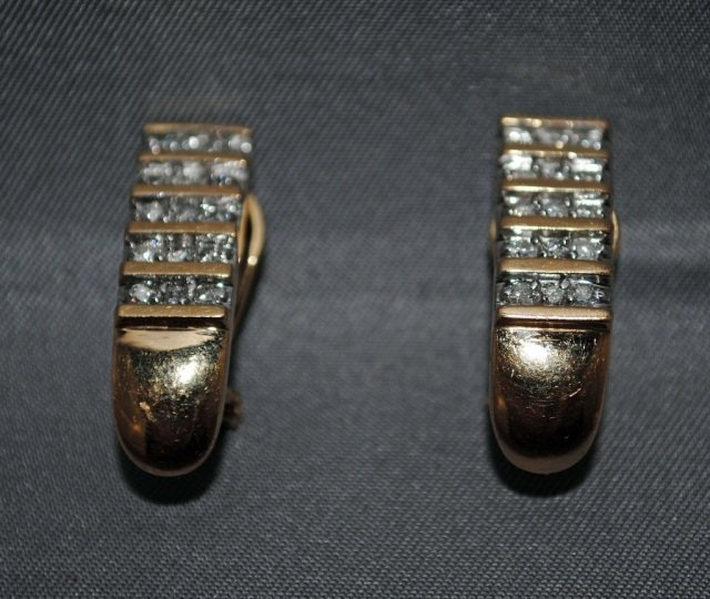 9: Pair of 14K Gold Diamond Earclips