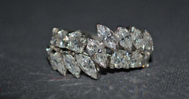 10: 14K White Gold Diamond Ring
