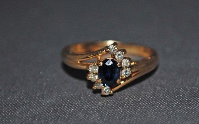 20: 14K Gold Sapphire Ring