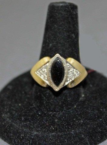 10: 14K Gold Onyx Ring