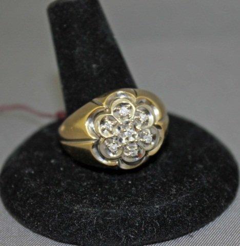 14: 10K Gold Diamond Cluster Ring