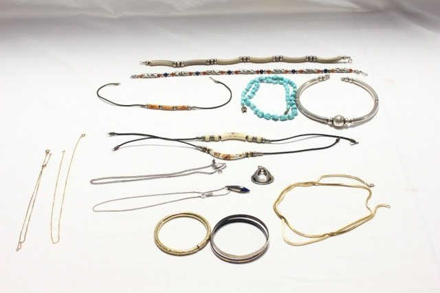 5A: Miscellaneous Group of Costume Jewelry