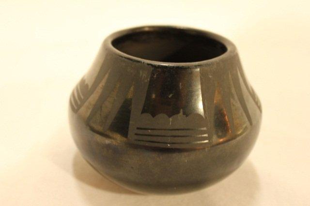 15: Maria&Santana  American Indian Pueblo Pottery Vase