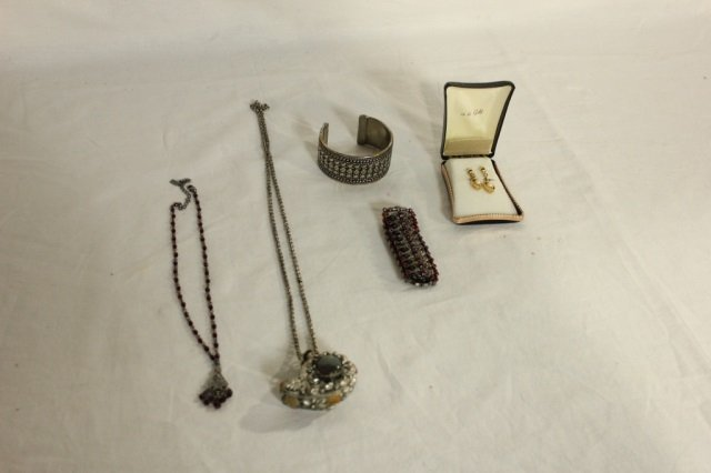 Group of 5 Articles of Costume Jewelry