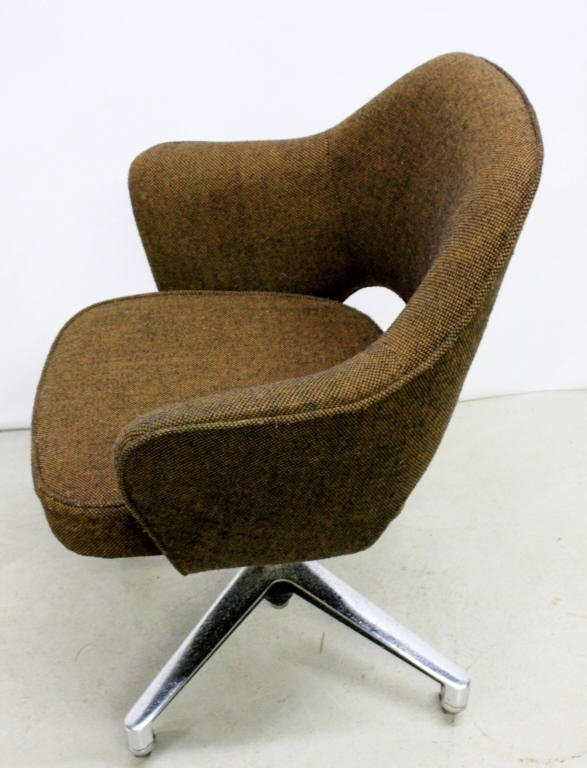 Vintage Saarinen Executive Chair by Knoll