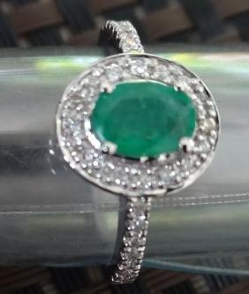 WORLD gold Emerald Diamond Ring