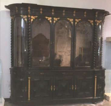 Large Continental Oak Cabinet - 2