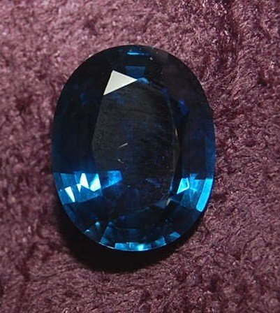 10A: Blue Sapphire, Oval, 9.78 ctw.  GIA Certified simi