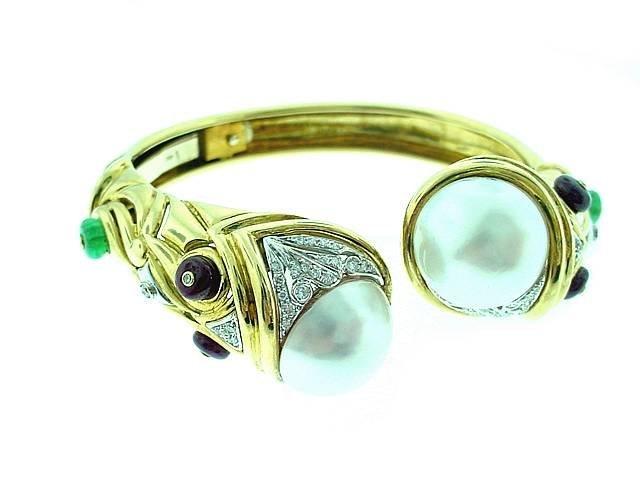 18k Bangle w/ Mabe' Pearls, Diamonds