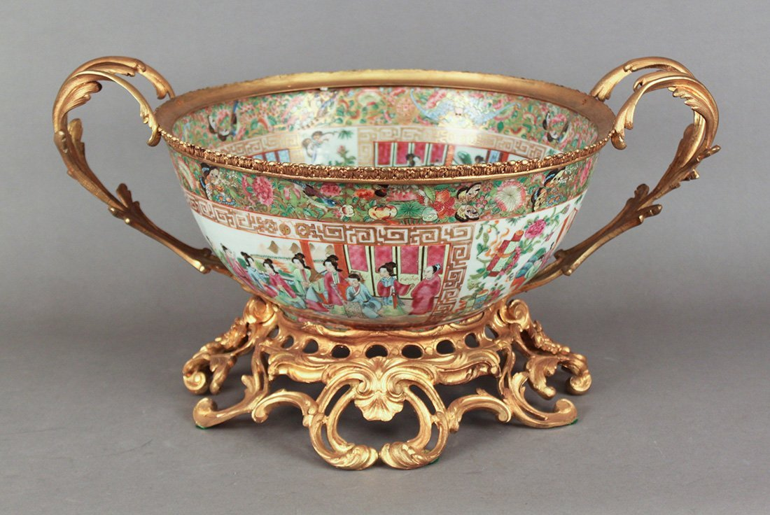 19th Century Chinese Rose Medallion Chow Bowl