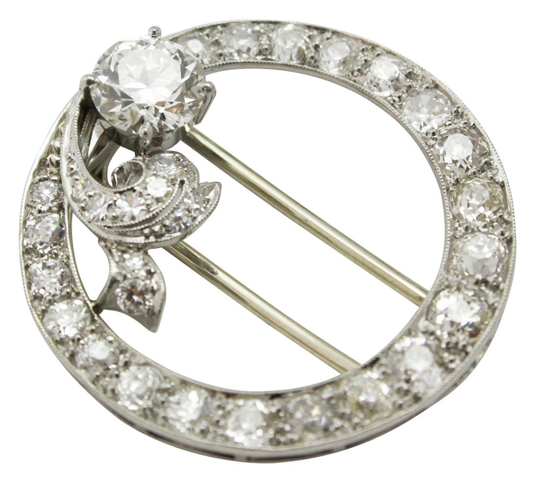 An Art Deco Platinum Pin, Approx 1.25 Diamond