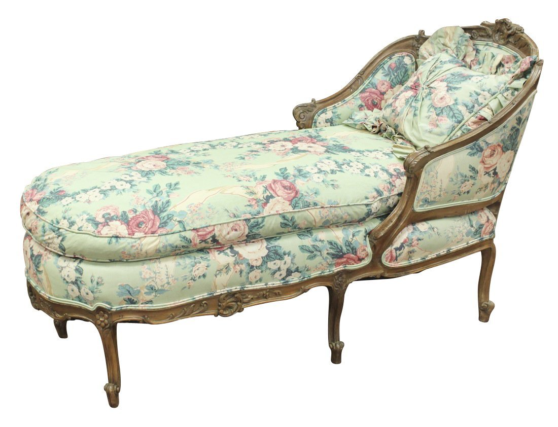 French Louis XV Carved Walnut Chaise Longue