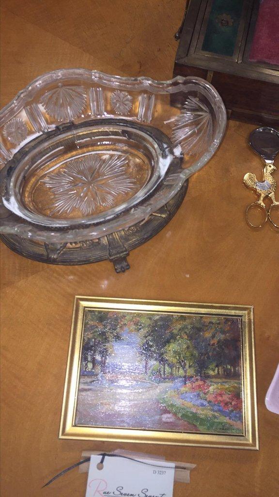 Miscellaneous Lot, Centerpiece, Painting, - 2