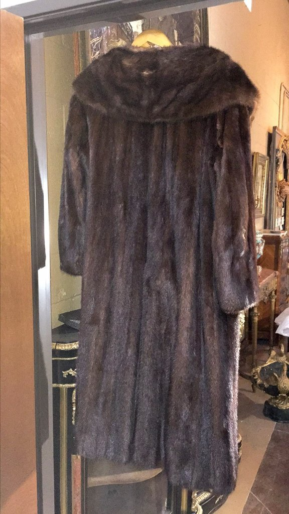 Full Length Mink Coat Good Condition - 3