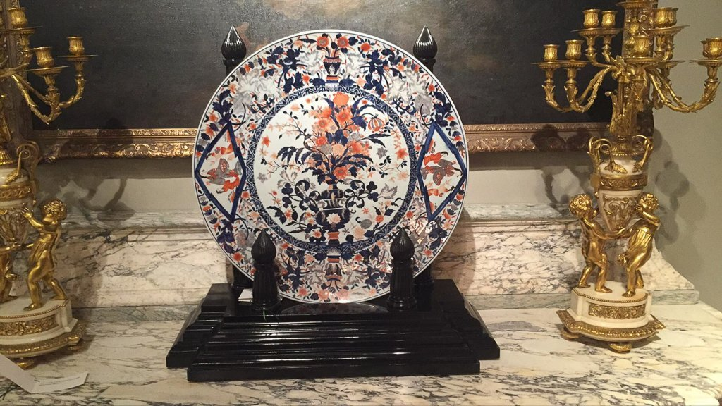 Exceptional Palace Size Japanese Imari Charger - 2
