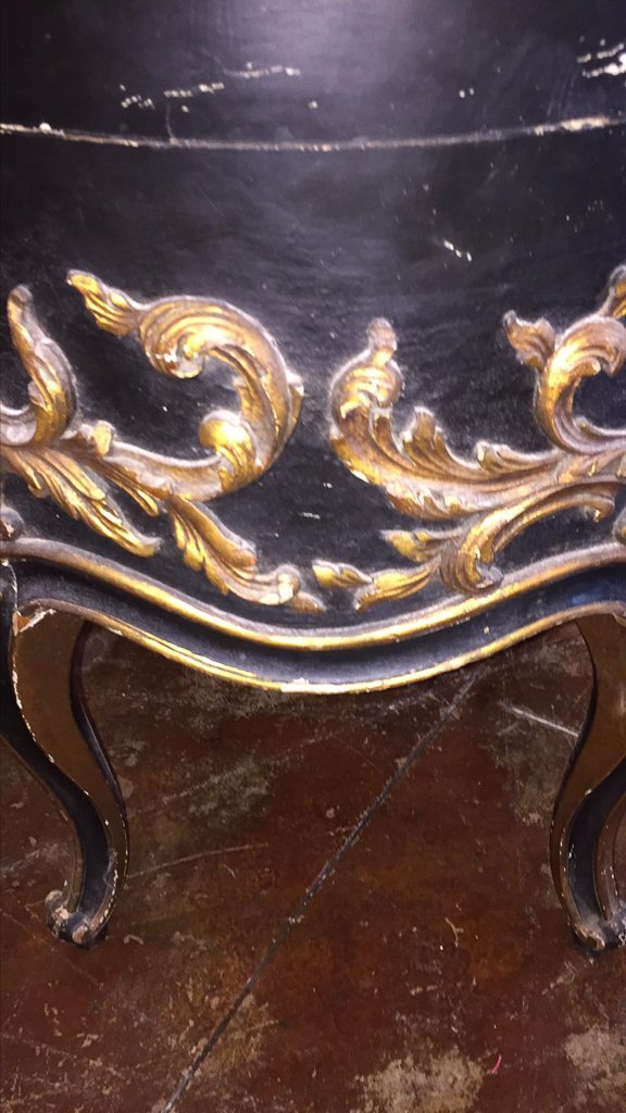 Italian Carved Black & Gilt Side Table - 2