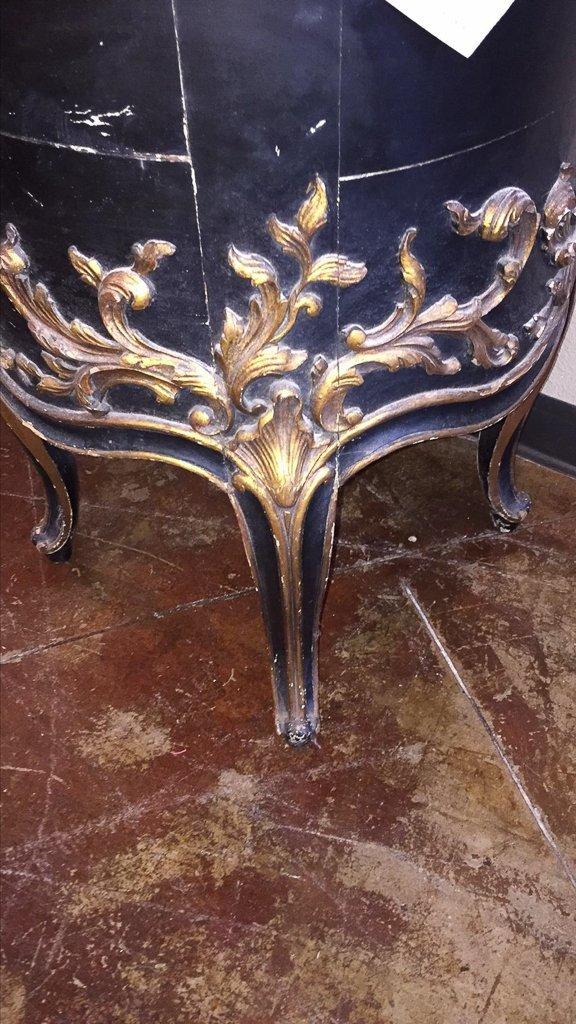 Italian Carved Black & Gilt Side Table - 3