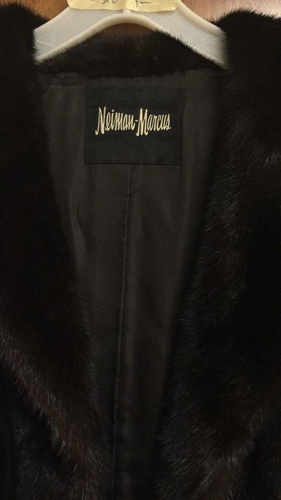 Nieman Marcus 3/4 Length Mink Coat, Excellent - 2