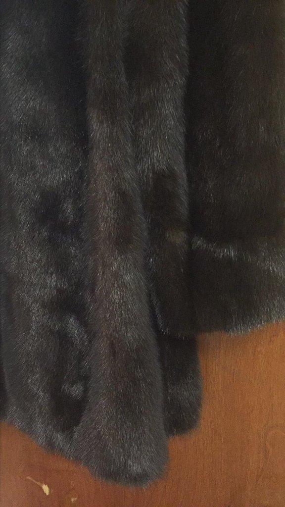 Nieman Marcus 3/4 Length Mink Coat, Excellent - 4