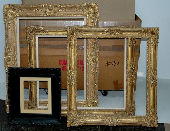 20: Group Lot - Group of 11 frames