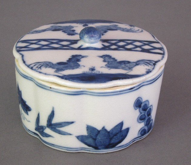 19: KANGXI PORCELAIN BOX