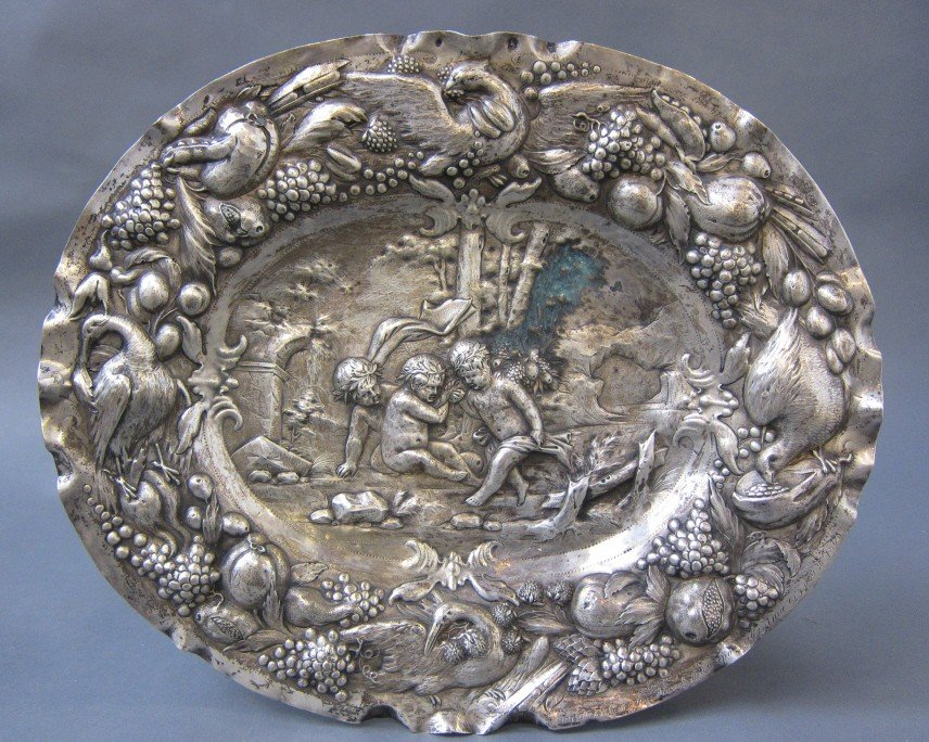 10: EARLY 19TH C. CONTINENTAL SILVER REPOUSSE CHARGER