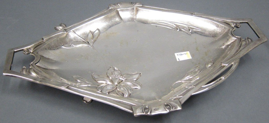 17: AUSTRIAN ART NOUVEAU 800 SILVER FOOTED TRAY