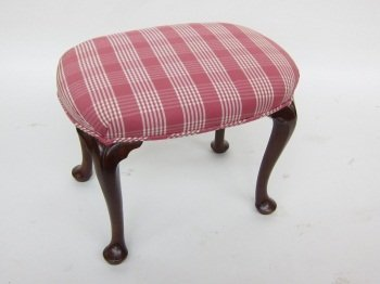 143: ENGLISH GEORGIAN QUEEN ANNE STYLE MAHOGA NY BENCH