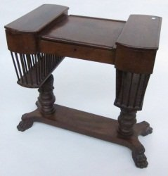 155: SEWING TABLE