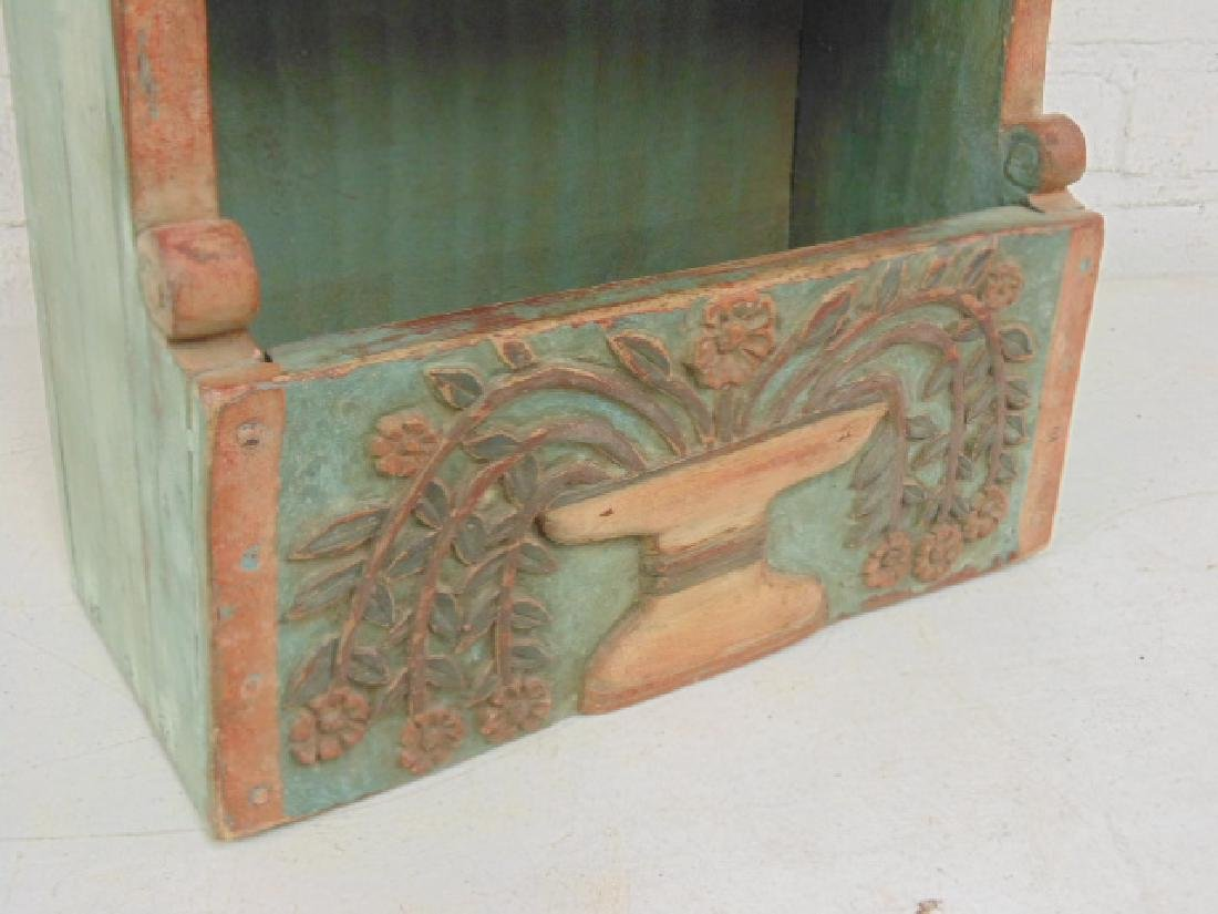 Carved wood wall box in green & red paint - 4