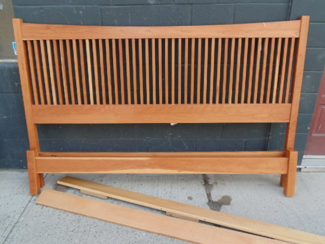 King size Stickley Audi spindle cherry bed - 2