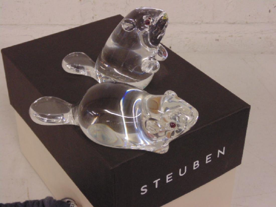 Pair Steuben art glass beavers,