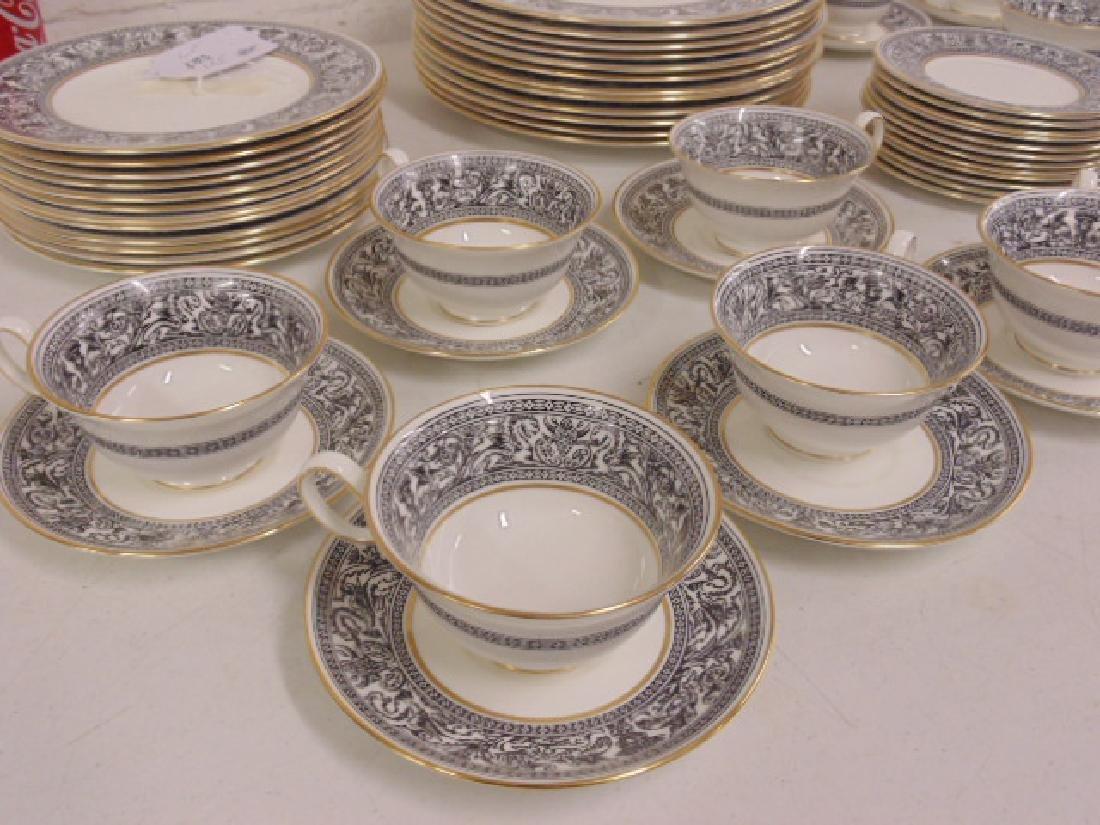 "Set of porcelain dinnerware by Wedgwood, ""Florentine"", - 2"