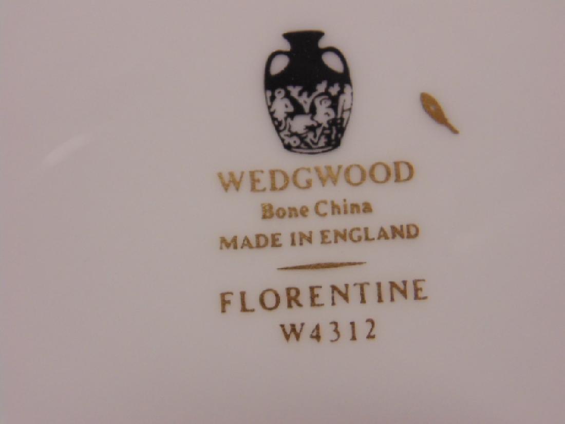 "Set of porcelain dinnerware by Wedgwood, ""Florentine"", - 7"