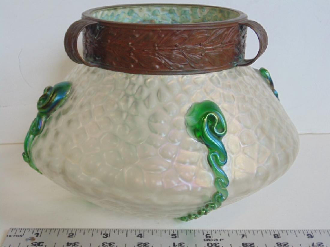 Art Glass bowl manner of Loetz