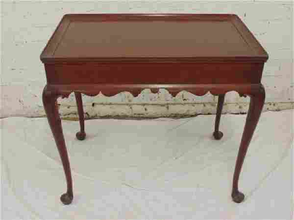 Kittinger queen Anne style side table