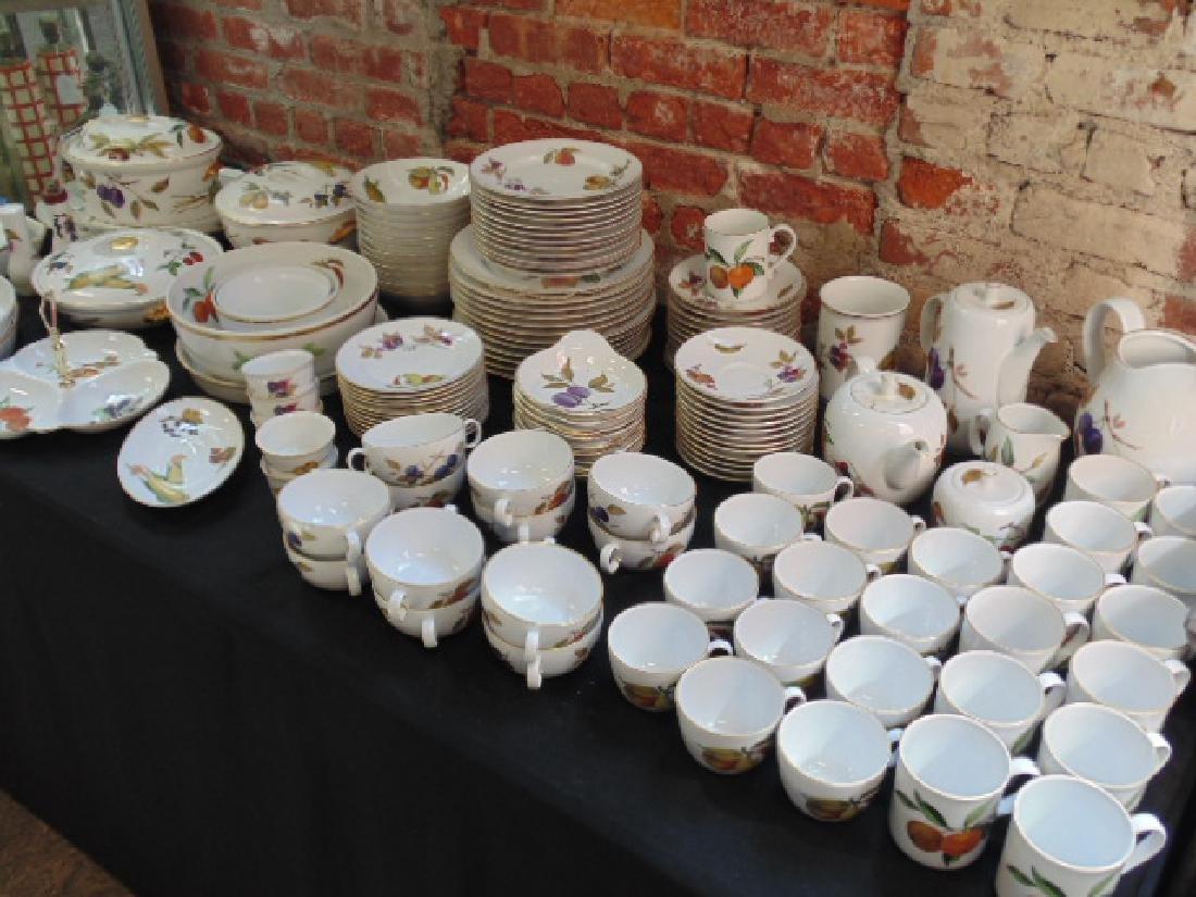 Large Set of Royal Worcester Evesham Porcelain Dinner