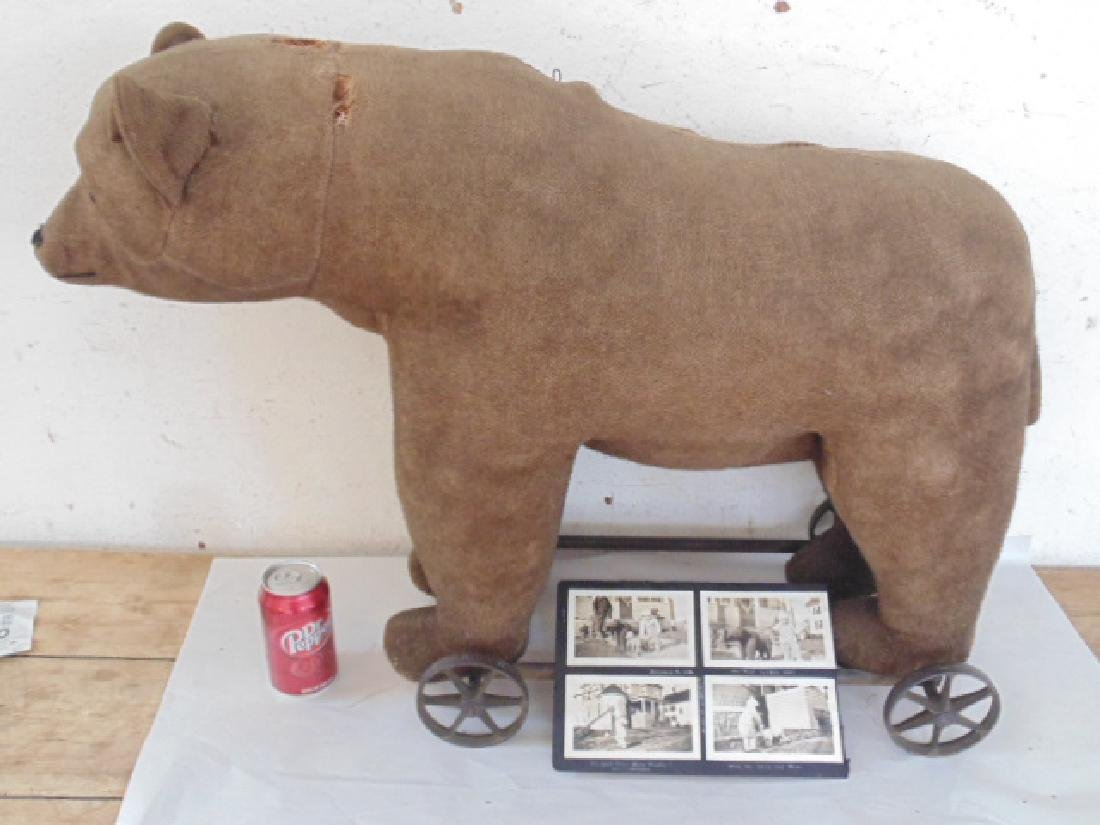 Steiff bear pull toy, original condition, on iron frame