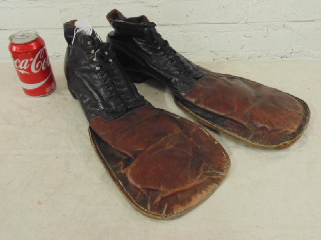 Leather vintage clown shoes - Aug 28
