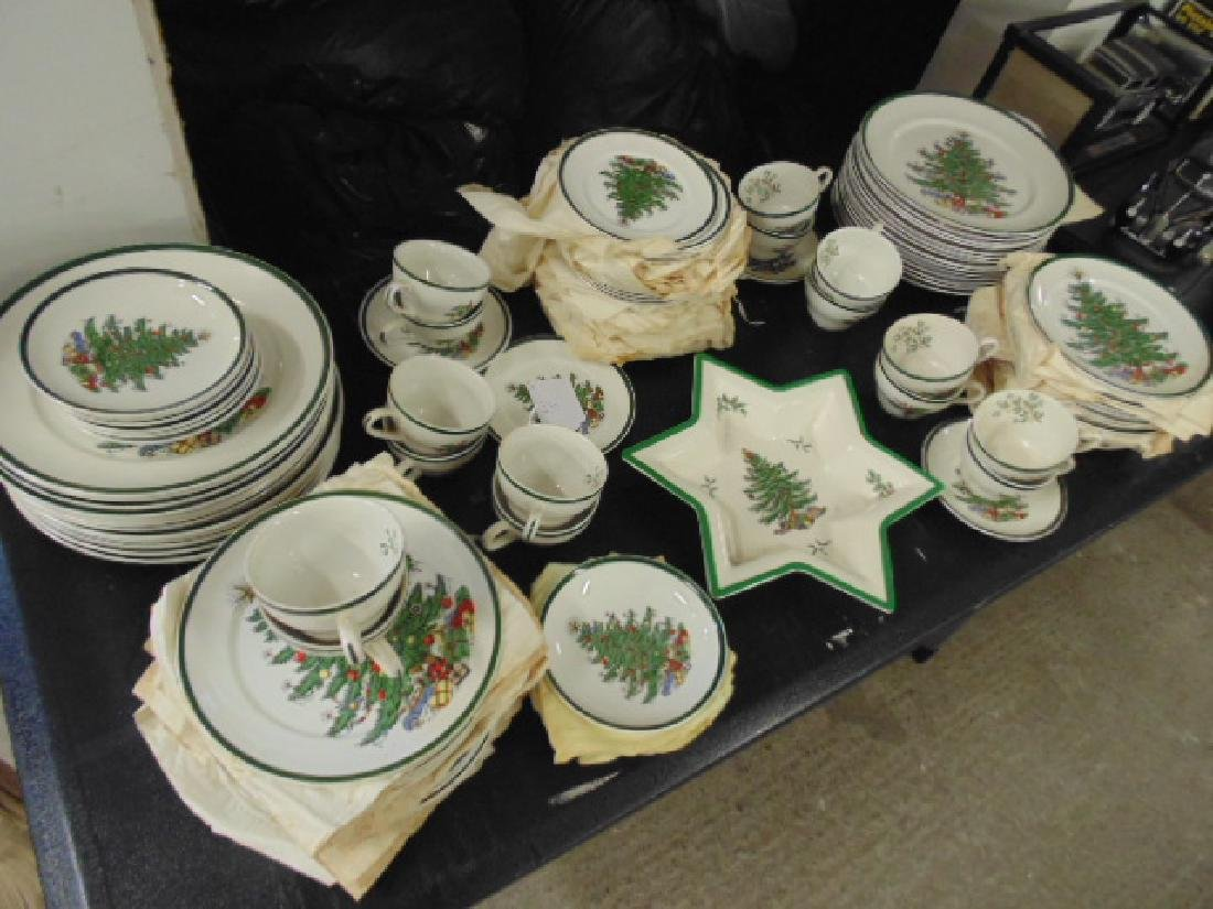 Christmas dinnerware, Lord Nelson for Cuthbertson House