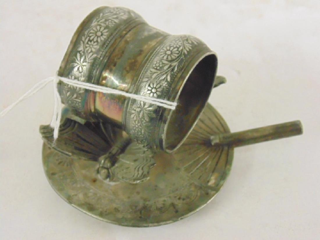 Rogers silver plated Victorian napkin ring - 2