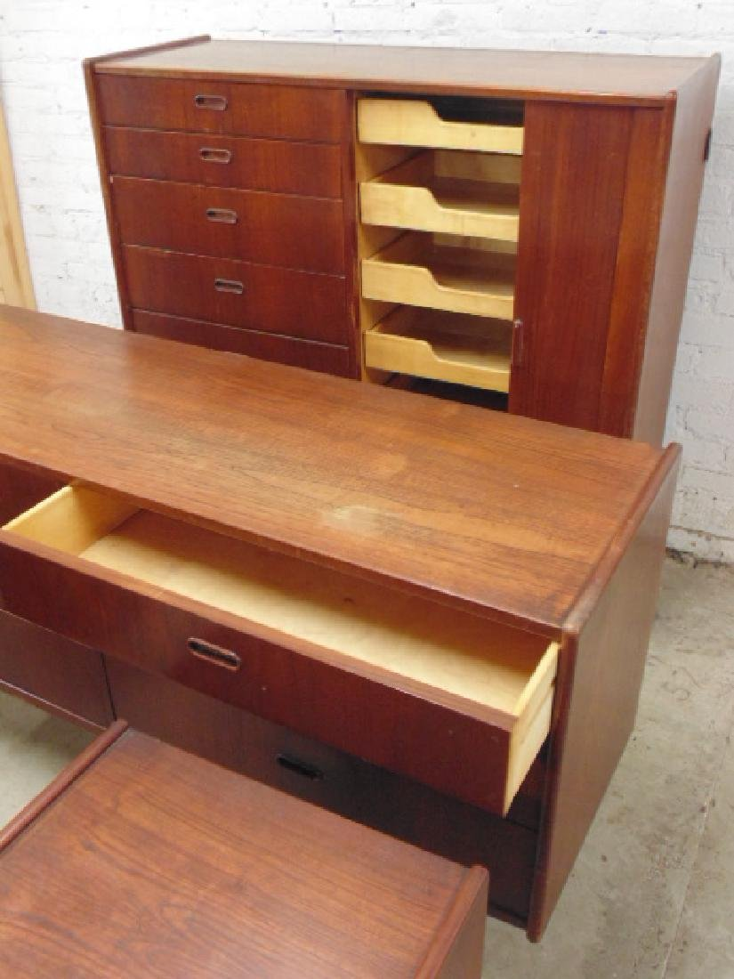 Mid Century rosewood bedroom set - 8