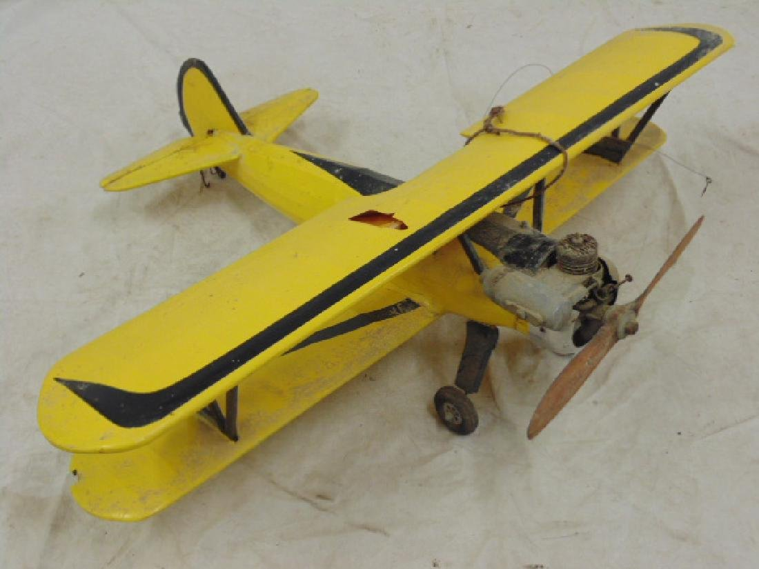 2 model airplanes,  biplane with engine - 7