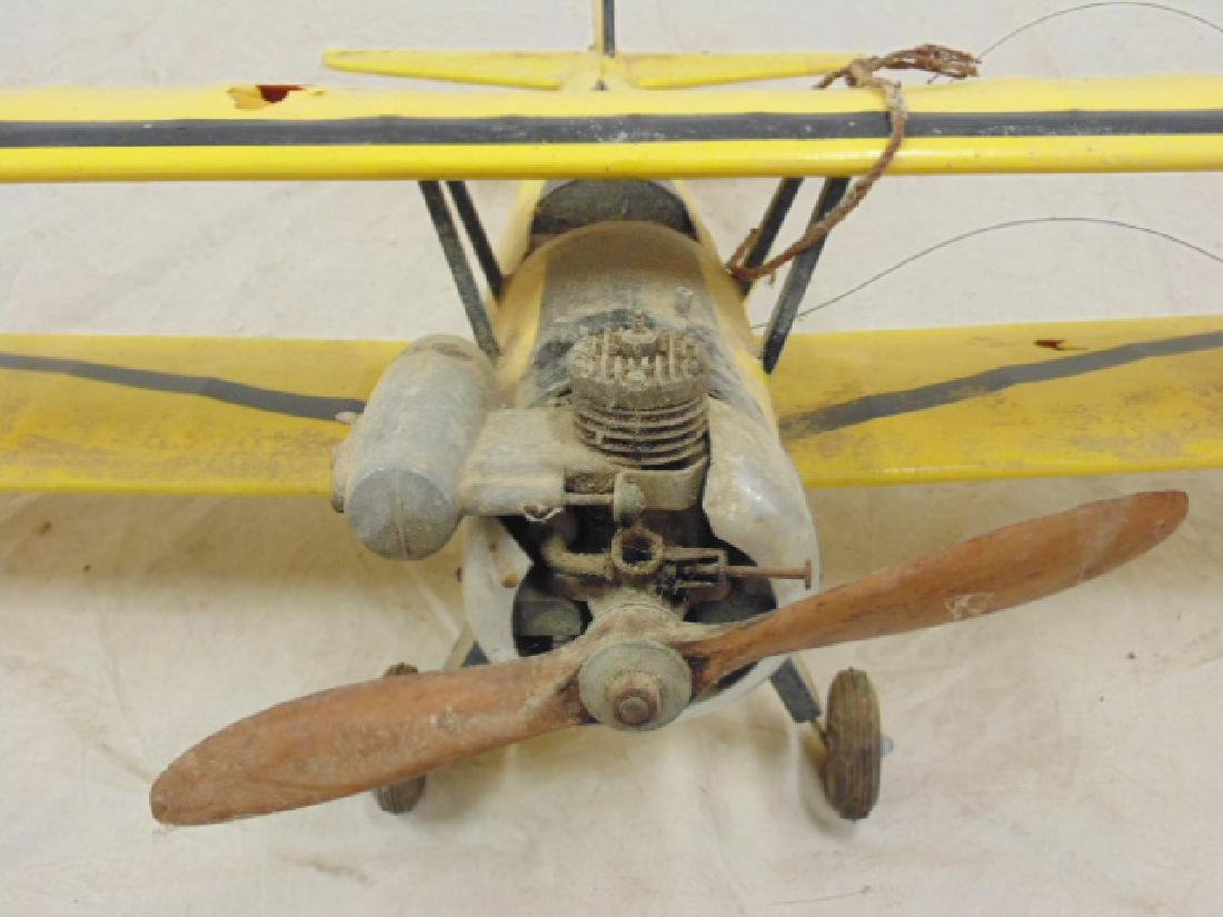 2 model airplanes,  biplane with engine - 8