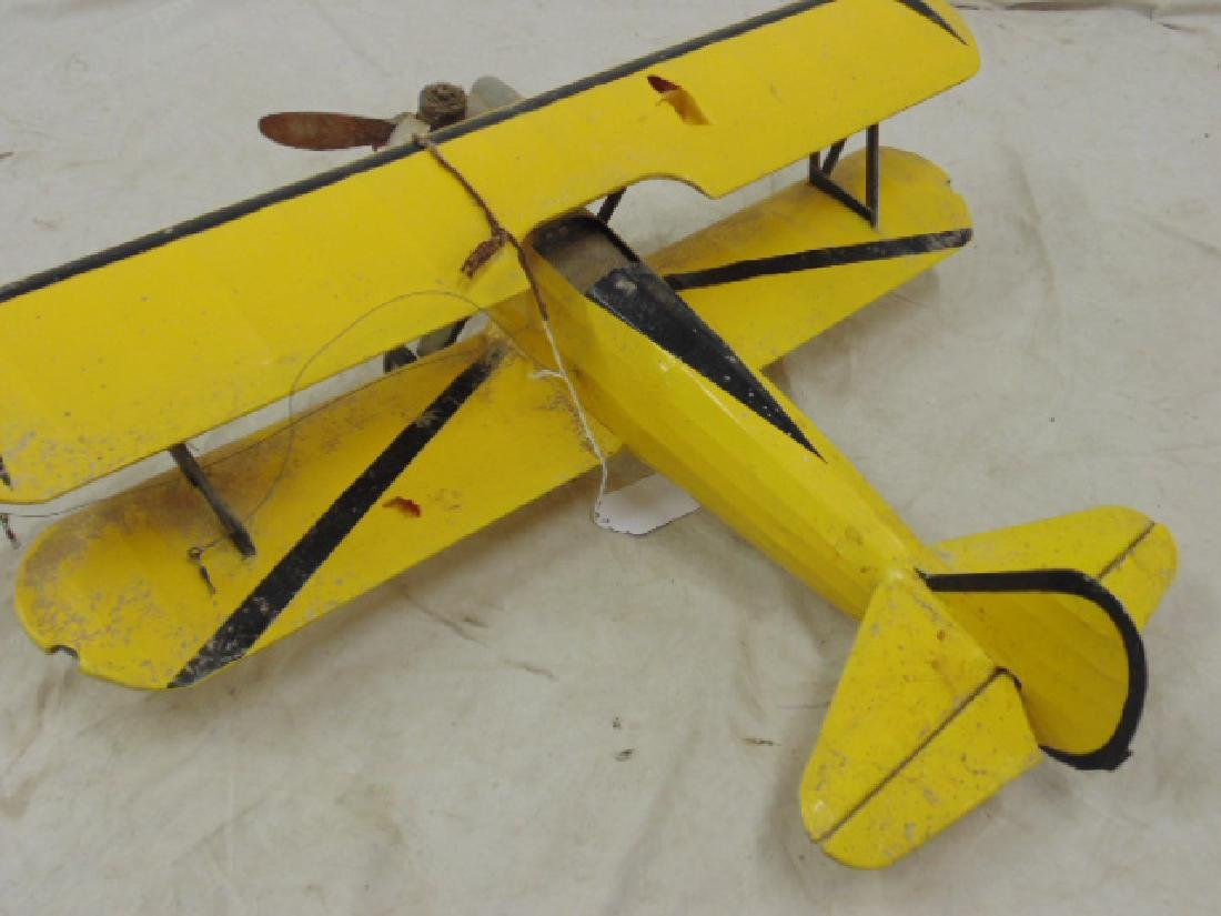 2 model airplanes,  biplane with engine - 9