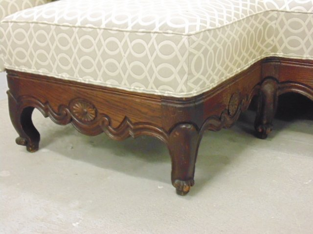 Upholstered corner bench, carved legs - 2