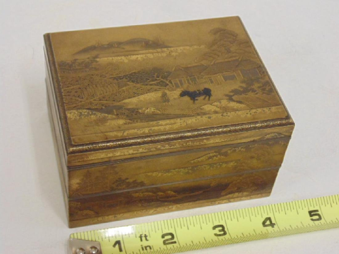 Gilt lacquered Meiji period Japanese fitted box